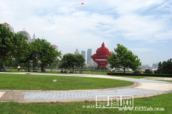青岛五四广场风景-青岛市政府方向