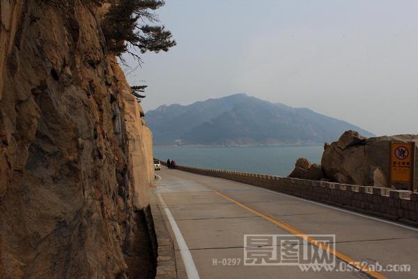 青岛崂山南海岸线与东线海岸线,劈石口路山脉两边风景