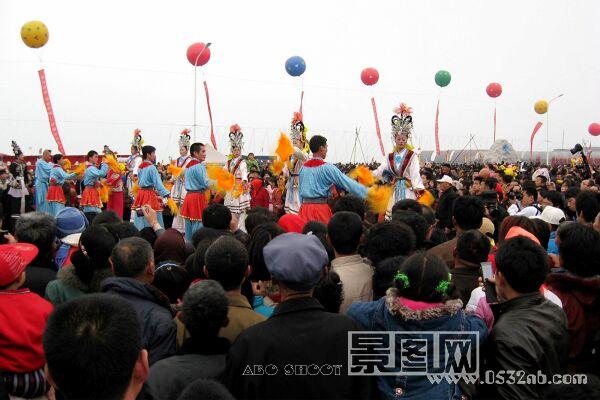 田横岛祭海节当地秧歌表演