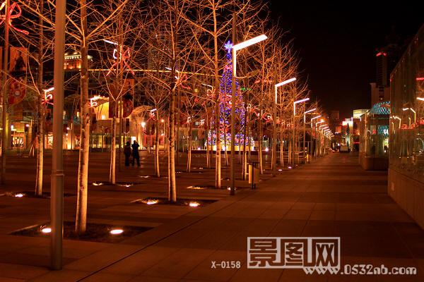 青岛百丽广场夜景